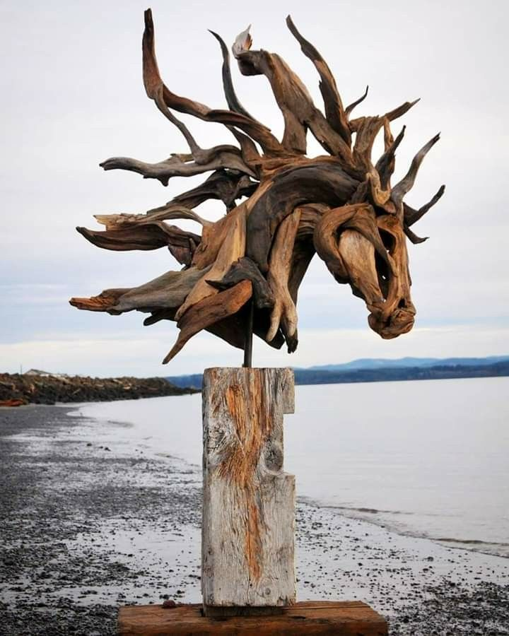 Pin By Amanda B On Coloriages Dessins Mangas In 2020 Driftwood Sculpture Horse Sculpture Animal Sculptures