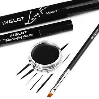 DELINEADOR INGLOT   Pigmento de alta intensidade fornecem cobertura ideal e cores ricas após apenas uma aplicação. A fórmula duradou...