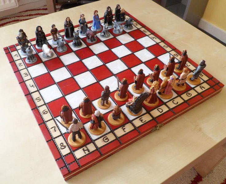 Шахматы ручной лепки по мотивам «Игры престолов» от рукодельницы из Нидерландов Emmi Visser