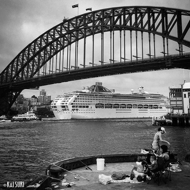 Sunday Fishing 🎣   #Sydney Harbour   photo @rajsuri © 2017 #Muslim #family #hijab #child #woman #pram #people #life #everydayaustralia #migrant #multiculturism #chinese #humansofsydney #lensculture #ship #bridge #Australian #flag #society #Australiantoo #rajsuri #walshbay