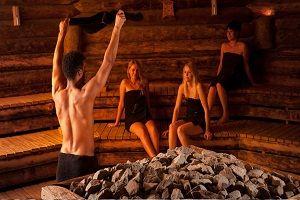 Opgietrituelen in de sauna