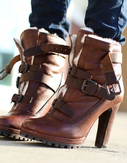 .Fashion, High Heels Boots, Winter Shoes, Style, Leather Boots, Ankle Boots, Fall Boots, Brown Boots, Winter Boots