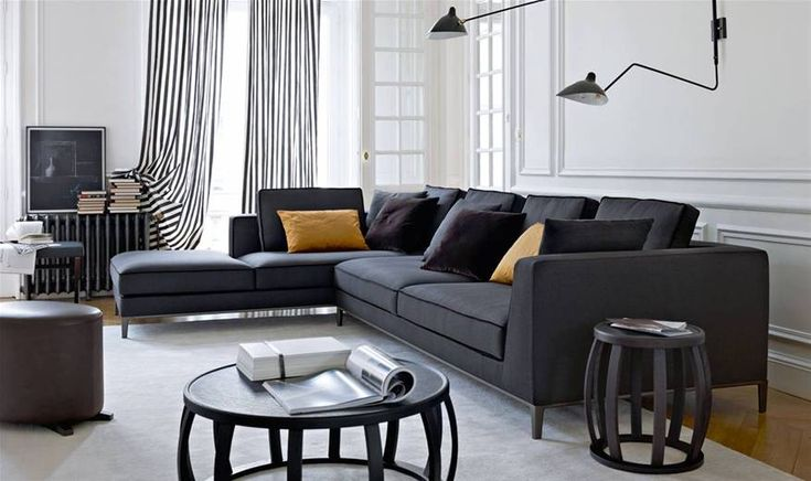 Sofas: LUCREZIA TO SIZE – Collection: Maxalto – Design: Antonio Citterio
