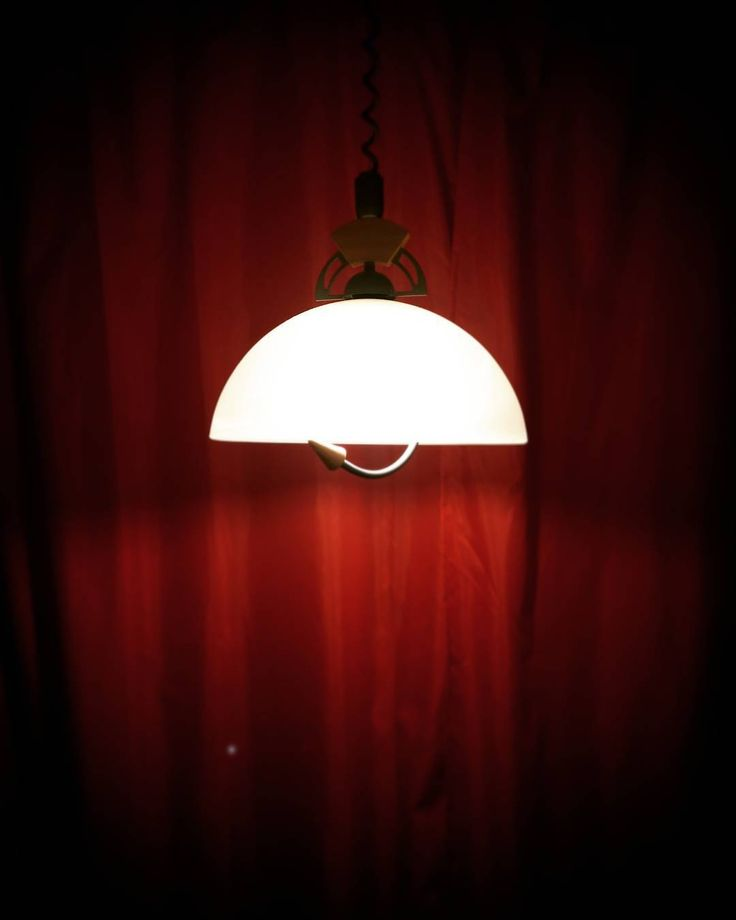 """""""Театр начинается с вешалки, а новый город - с отеля   #путешествие #отель #Краков #Польша #Krakow #Poland #traveling #light #lamp #color #instatraveling"""