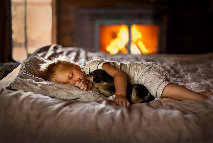 Elena Shumilova, the talented Russian photographer who first went viral on Bored Panda, has been busy creating more enchantingly beautiful images of children and animals enjoying rural life. Her photos are brimming with the idyllic joy of village life, and their cozy and timeless nature is made even more heartwarming by her models – her two children and an army of beautiful farm animals.