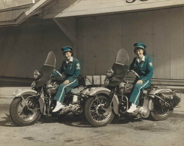 The Motor Maids were the first all-female riding club, starting in 1940. #harleywomen