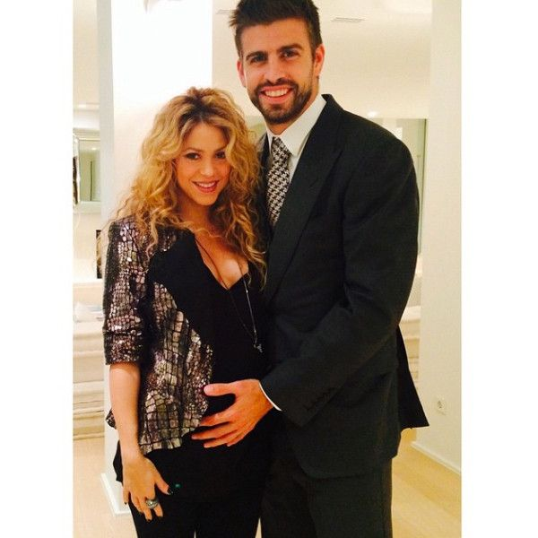 Pregnant Shakira Shows Off Baby Bump in Cute Pic With Gerard Piqué  Shakira, Instagram