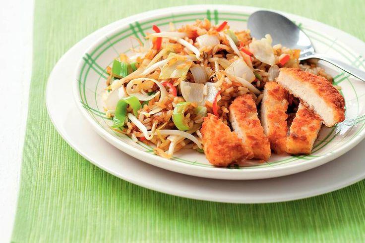 Kijk wat een lekker recept ik heb gevonden op Allerhande! Vegetarische schnitzel met gebakken rijst