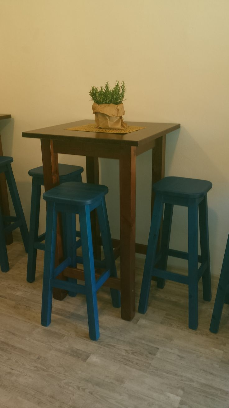 Oltre 25 fantastiche idee su tavoli alti su pinterest - Tavoli alti da bar con sgabelli ...