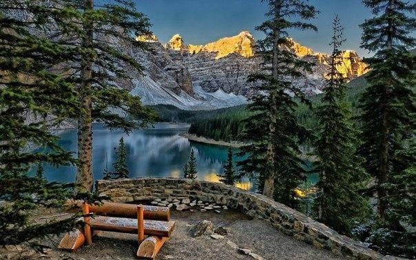Красивое озеро Морейн, Альберта, Канада