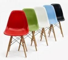 Sieno Eiffel DSW Καρέκλα με μασίφ ξύλινη βάση και κάθισμα πολυπροπυλενίου -ρέπλικα σχεδίου των Charles & Ray Eames ( 15 χρώματα)
