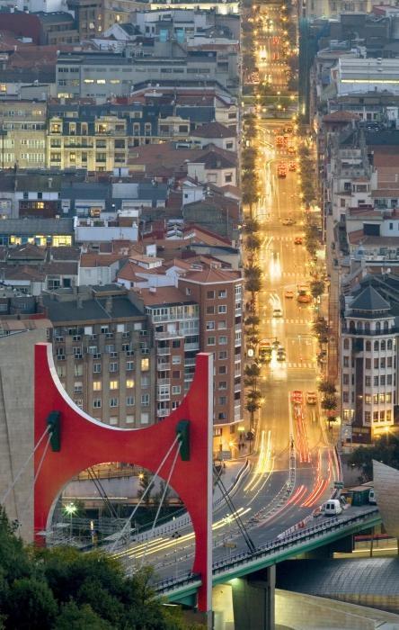 Puente La Salve y calle de Bilbao.