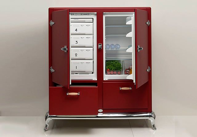 Fully customizable vintage styled refrigerator by Italian fridge makers Meneghini looks like a sub zero submarine made exclusively for food.