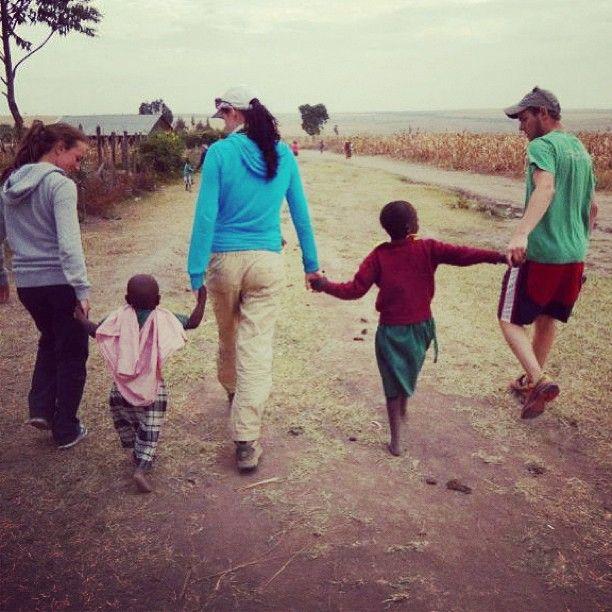 Saying goodbye to the kids on our last day in #Kenya :( #metowetrips #travel #volunteer www.metowe.com/kenya