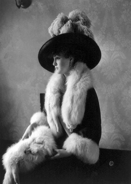 Edwardian socialite, and first wife of General Douglas MacArthur, Louise Cromwell Brooks in 1910
