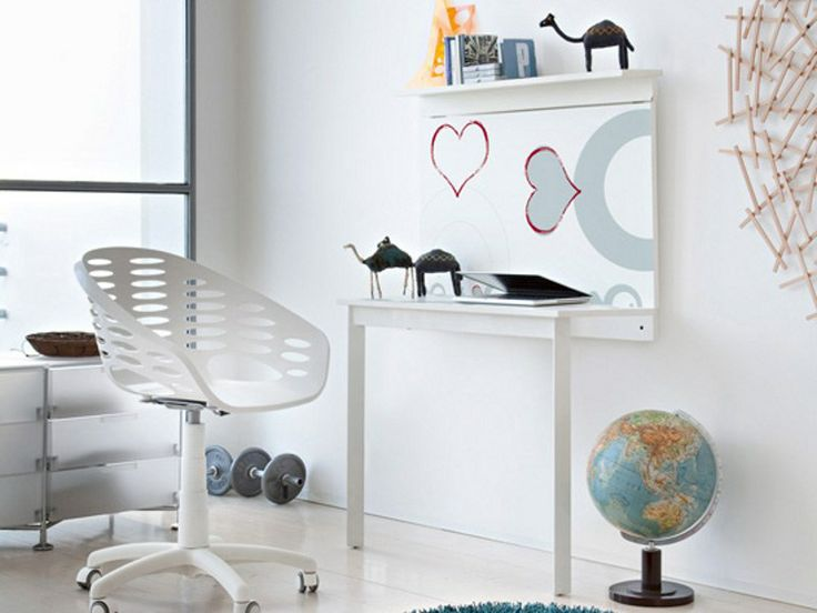 Close up table and desk by Domitalia