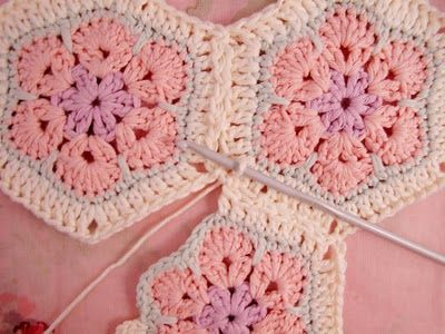 Pattern & Tutorial for African Flower Hexagons with join-as-you-go instructions