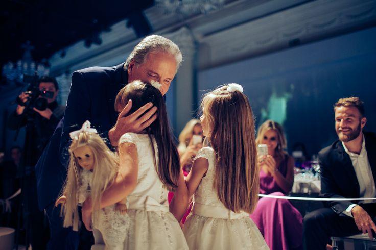Rafaella Pinheiro Justus (5 anos)  e Valentina Siebert Alves (5 anos) no casamento de Roberto Justus e Ana Paula Siebert.