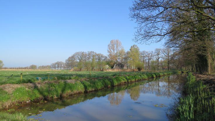 2917-04-09 Boerderijtje aan het water bij kasteel 't Nijenhuis