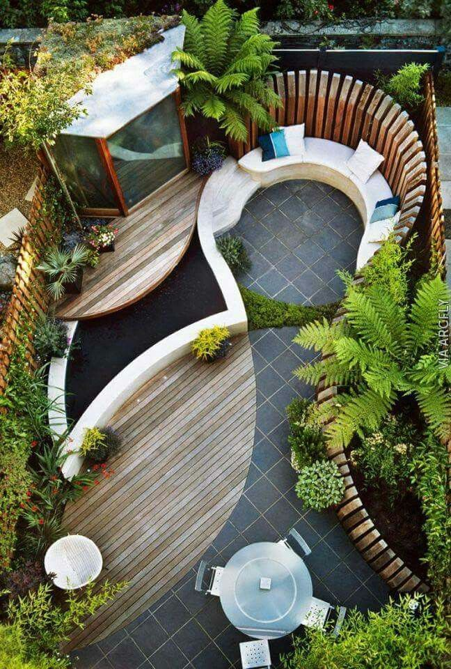 WOW! This is a outdoor space!