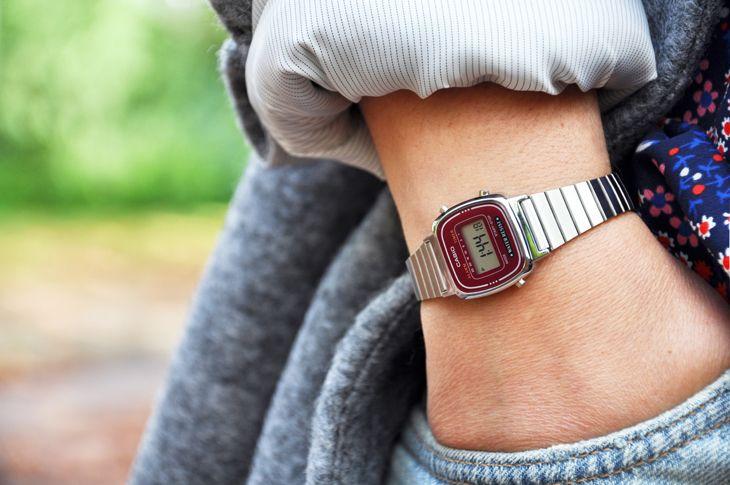 La blogueuse Céline du blog Les demoizelles a craqué pour cette superbe montre Casio au cadran bordeaux!