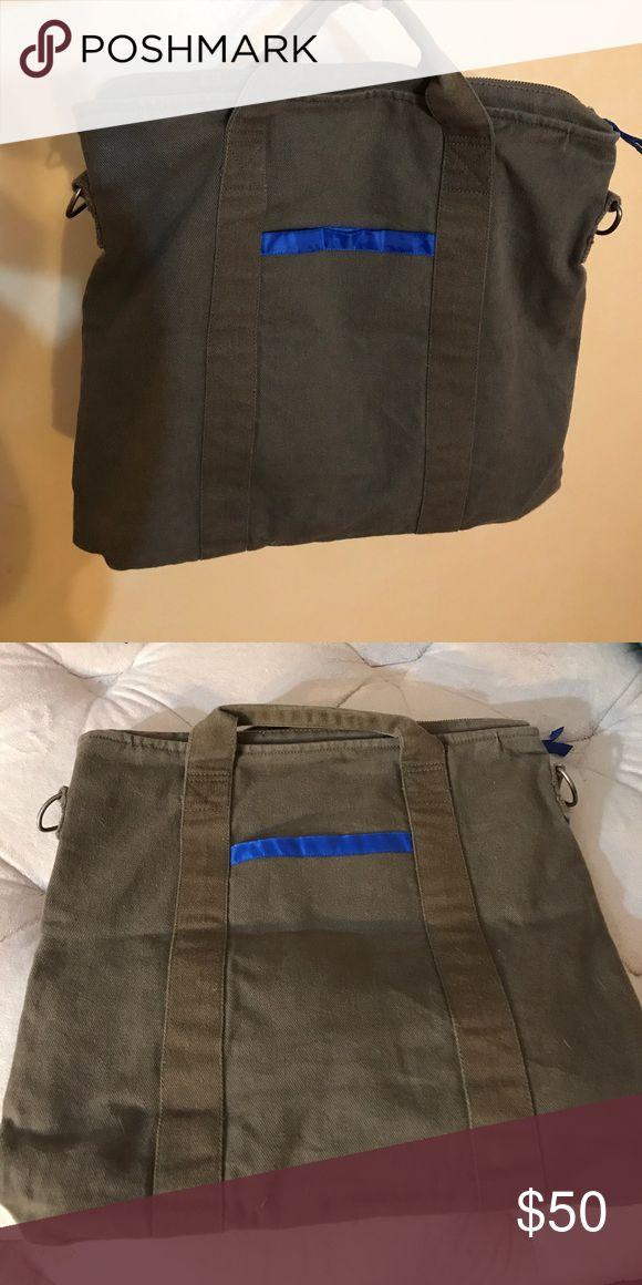 Armani Exchange Messenger Bag Armani Exchange Messenger Bag . Comfortable to carry Laptop or Books. Comes with shoulder strap . A/X Armani Exchange Bags Shoulder Bags