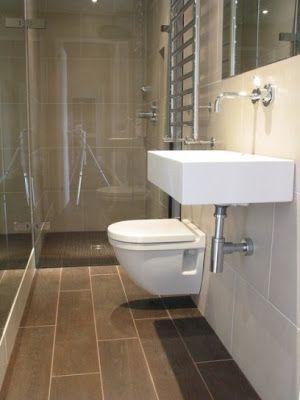 baño largo y estrecho