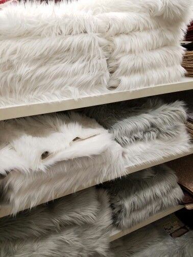 best 25 fur rug ideas on pinterest fur carpet faux fur rug and white faux fur rug - Faux Fur Rugs