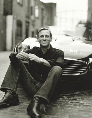 """swoon... Daniel Craig. Loved him way back when in a BBC TV movie """"The Ice House"""""""