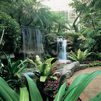 Opryland Hotel Nashville TN @KoasVDT I love this hotel and you will too! It has a river inside of it and a boat that you can ride