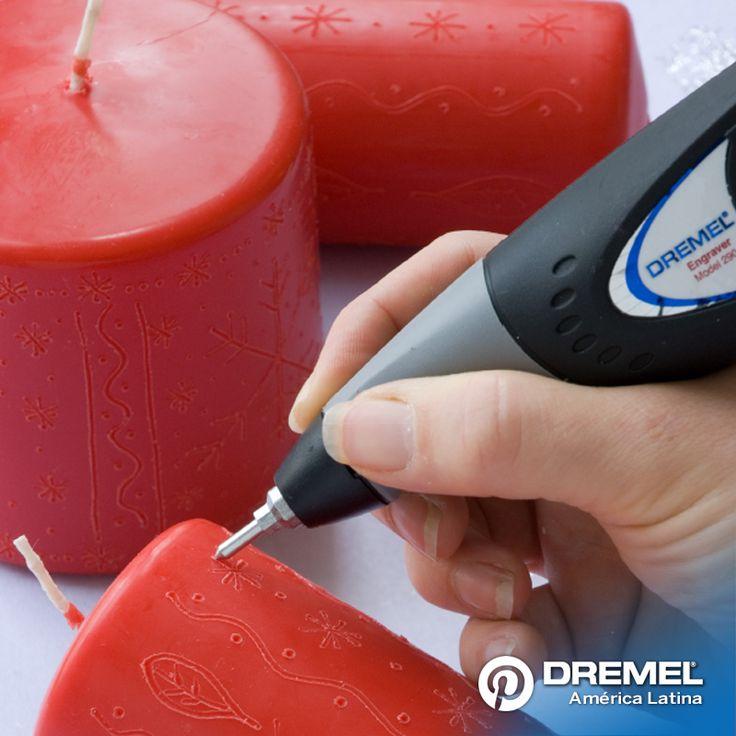 Paso 3: Terminar los detalles menores del diseño usando el Engraver, añadiendo puntos y estrellas para lograr el diseño general. Probar diferentes diseños en otras velas y presentarlas en grupo.