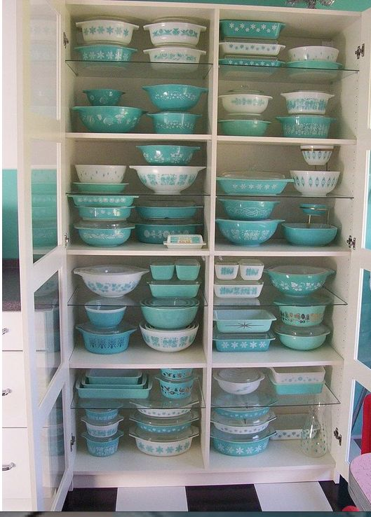 Love this robin's egg blue collection of vintage corning ware casserole dishes. Who could resist?