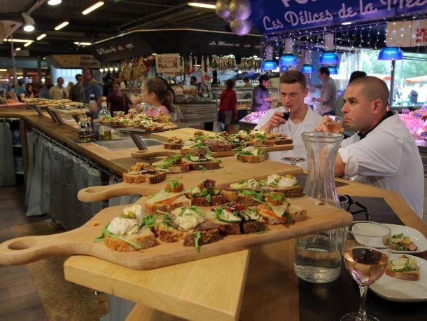Le marché des Capus est-il devenu la plus grande brasserie de Bordeaux?