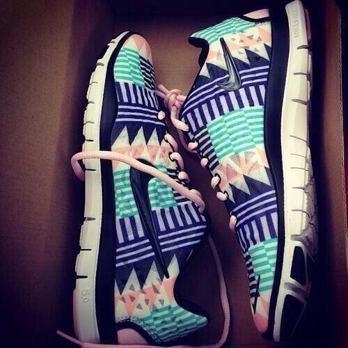 2014 Womens Nikes www.nikeairmaxshoppingonline.com nike shoes,fashion nikes for women,save up to 75%
