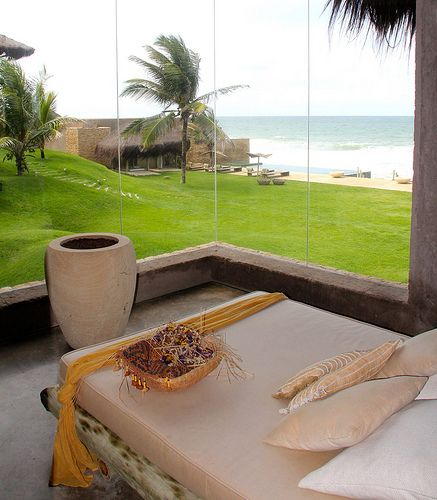 Kenoa Resort fica localizado na Barra de São Miguel/Alagoas, cerca de uma hora do aeroporto de Maceió.