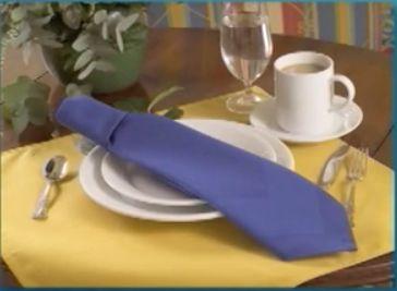 The Neck Tie Napkin Fold. Servietten FaltenKrawattenServiettenSquad