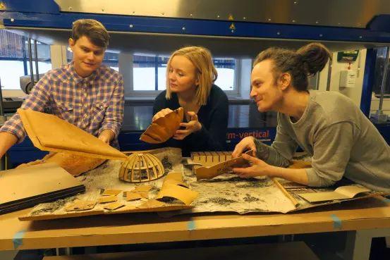 Ny Artikel (Ny teknik omvandlar näver från spillprodukt till nya byggmaterial) har blivit publicerat på IT-Pedagogen.se - http://it-pedagogen.se/ny-teknik-omvandlar-naver-fran-spillprodukt-till-nya-byggmaterial/ -  #Byggmaterial, #FridaBergner, #KarinJangert, #LinusCarlsson, #Spillprodukt, #UmeåUniversitet