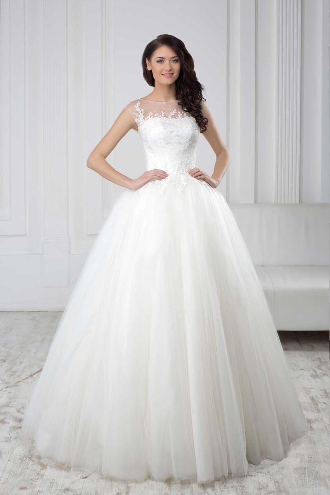 Nádherné svadobné šaty so širokou sukňou a čipkovaným živôtikom