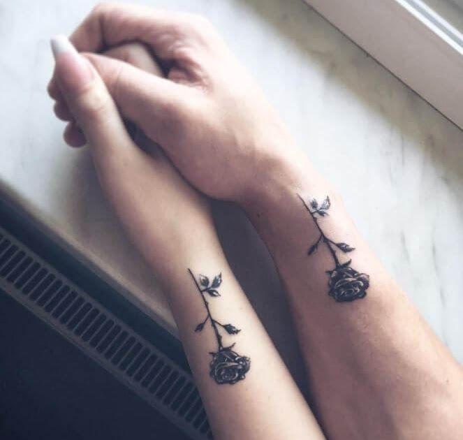 Paling Populer 24 Tato Couple 109 Best Matching Couple Tattoos Improb Roots Tattoo Couple Tattoo Faceboo In 2020 Rose Tattoos Matching Couple Tattoos Couple Tattoos