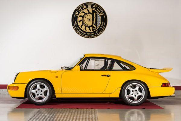 Porsche 911 – 964 Carrera 4 Leichtbau einzigartiges Fahrzeug 100% Erstlack nur 550 km einziges Fahrzeug in dieser Farbe einziges Fahrzeug, welches mit 17 Magnesium Felgen ausgeliefert wurde einziges Fahrzeug, was von Anfang an mit deutscher Strassenzulassung war von Jürgen Barth zertifiziert Preis auf Anfrage ! EXTERIEUR –  INTERIEUR – vollständiger Originalzustand wie bei …