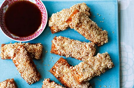 This crunchy Ken Hom Sesame Prawn Toast recipe makes the perfect starter to any Chinese New Year Recipe.