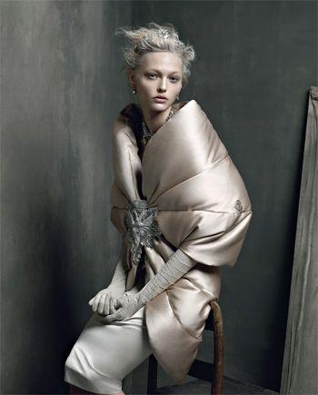 Практичность — главное, что отличает модные куртки осени 2013. Байкерский жакет, парка или бомбер - Elle.ru рассматривает все актуальные варианты, предложенные дизайнерами в этом сезоне.