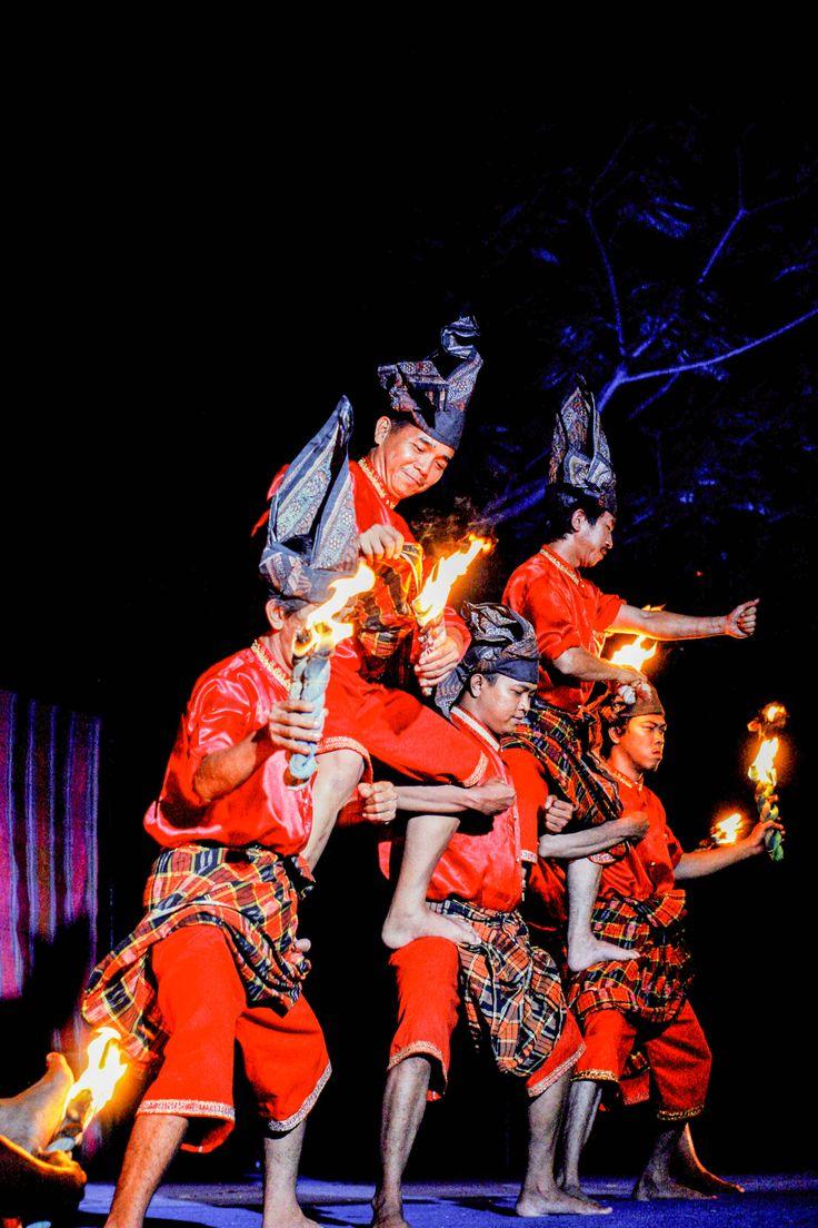 Tarian Pepepepeka Ri Makka berasal dari Budaya Suku Makassar, Sulawesi Selatan, Indonesia