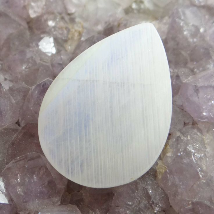 46.60Cts 100% Natural Flashing Moon Stone Pear Shape Untreated Srilanka Gemstone ..this is img