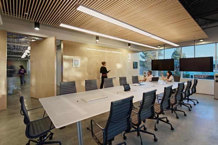 Hi tech office style on boora architects flexible for Woodworks design office 9