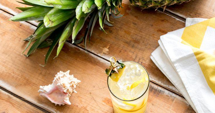 Ce délicieux et rafraîchissant cocktail 0 % à base de jus d'ananas transportera vos invités tout droit à la plage!