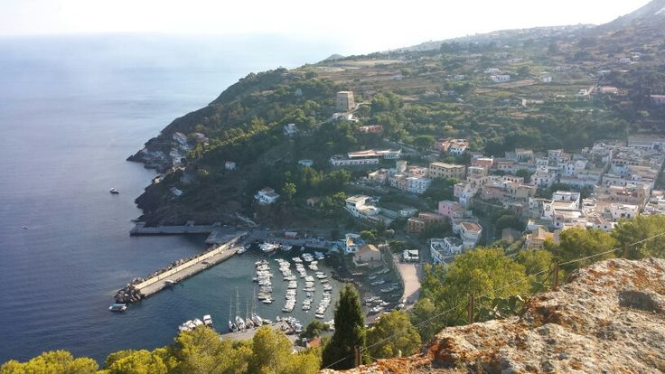 Ustica - A view of the harbour