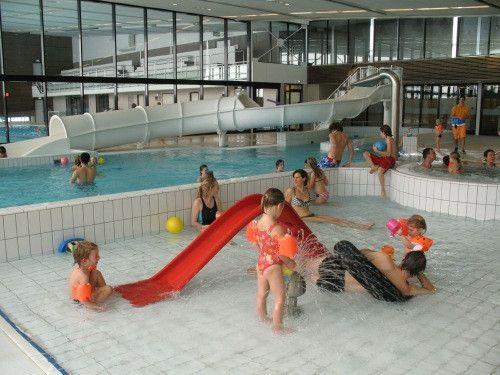 Een wedstrijdbad en recreatief bad met leuke glijbaan en natuurlijk een peuterbadje vind je in Zwembad Sterrenbad in Wassenaar!