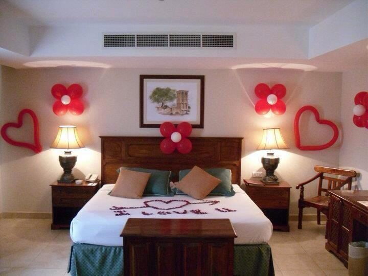 155 best sooooo romantic images on pinterest for Decorate hotel room romantic
