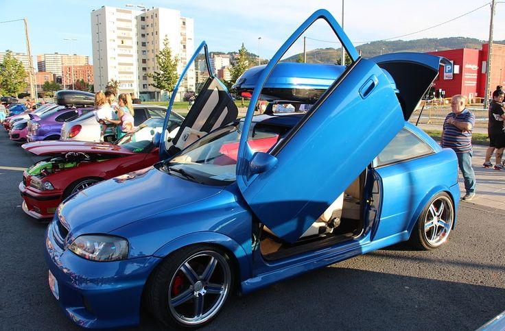 120 vehículos participan en el segundo encuentro de coches personalizados en Ansio